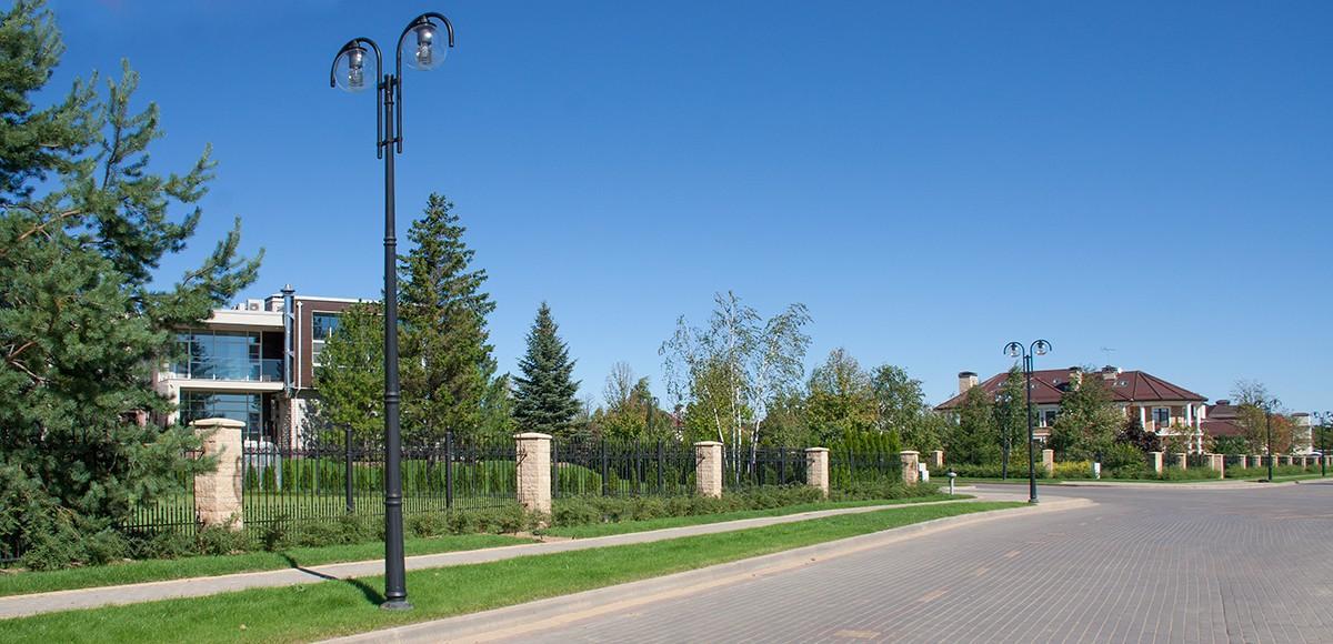 Улица в поселке Madison Park
