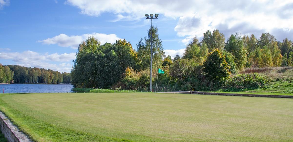Плавающая лунка, гольф поле курорта Пирогово