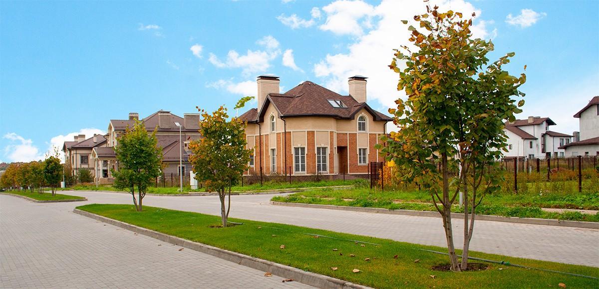 Жилая улица в поселке Новорижский
