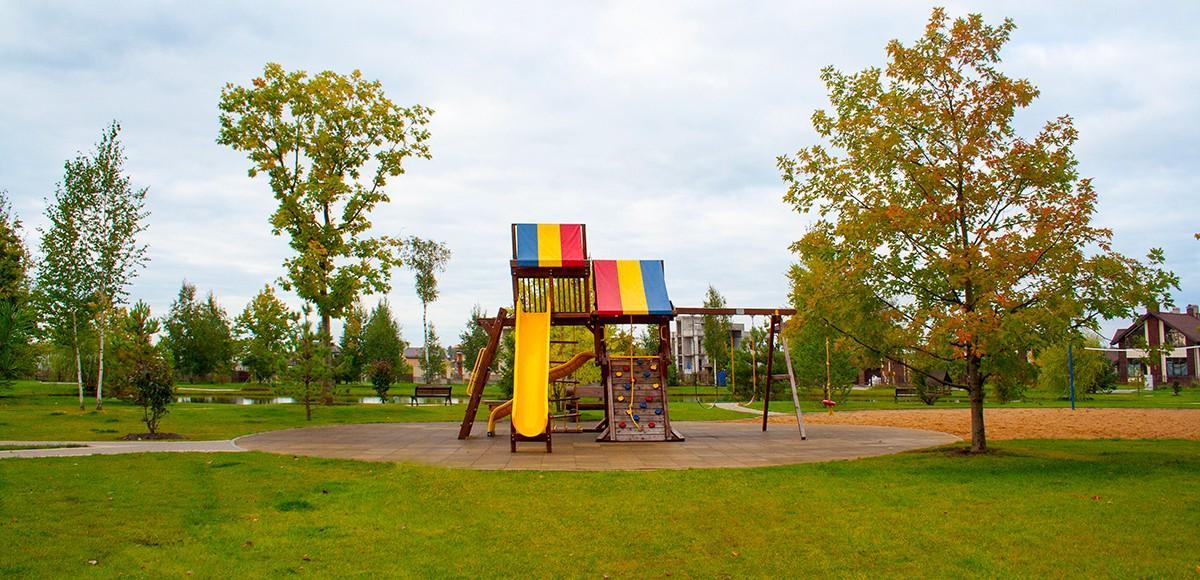 Детская площадка в КП Новорижский