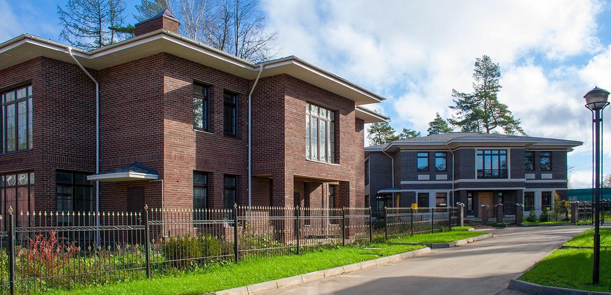 Поселок Серебряная Роща выдержан в едином архитектурном стиле