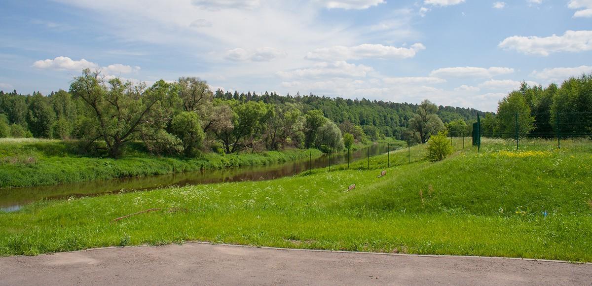 Набережная реки Истра в КП Кристалл Истра