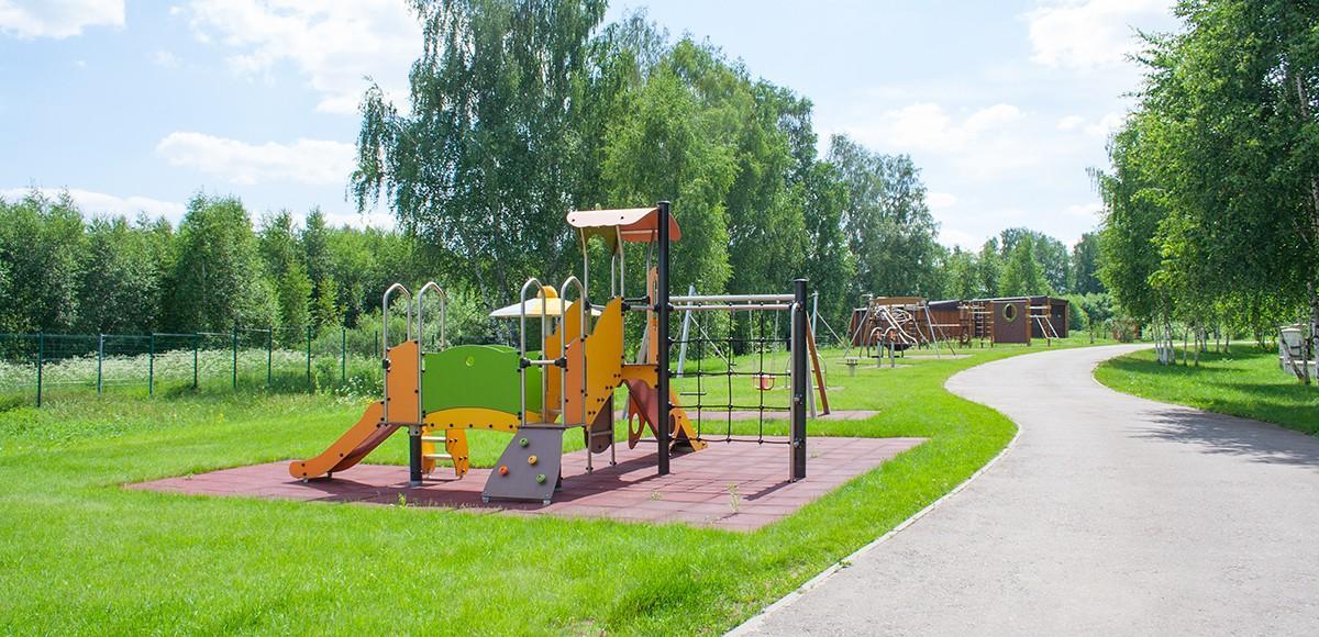 Детская площадка в поселке Crystal Istra